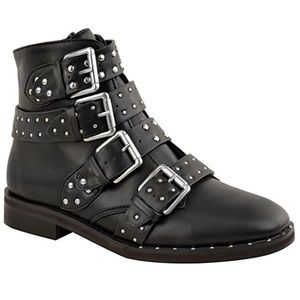 Studded✨ // Buckle // Boots🖤 - NEW